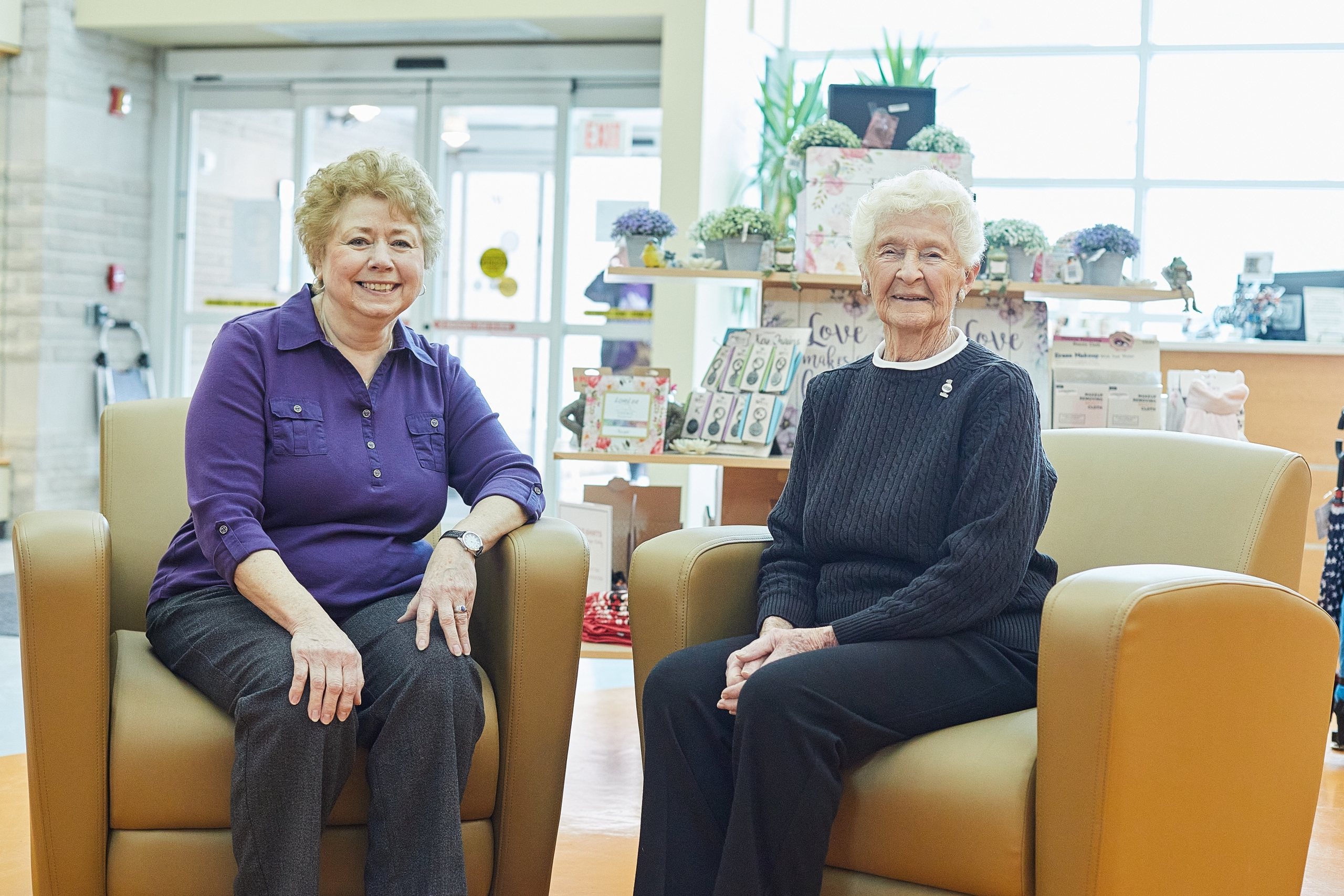 Picture of Kay Howden and Nan Cameron